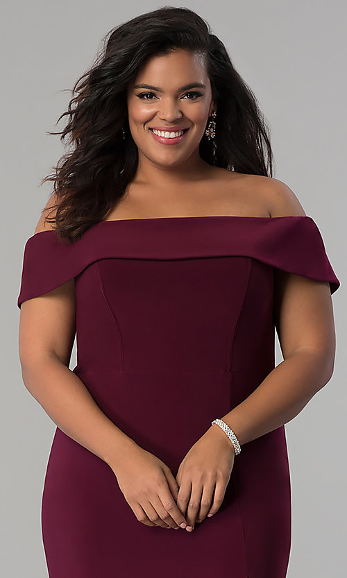 Image of long off-the-shoulder plus-size Faviana prom dress. Style: FA-9441 Detail Image 1