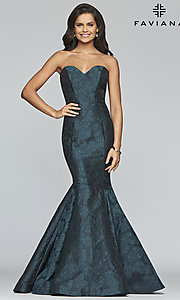 Image of long strapless sweetheart Faviana prom dress. Style: FA-S10118 Front Image