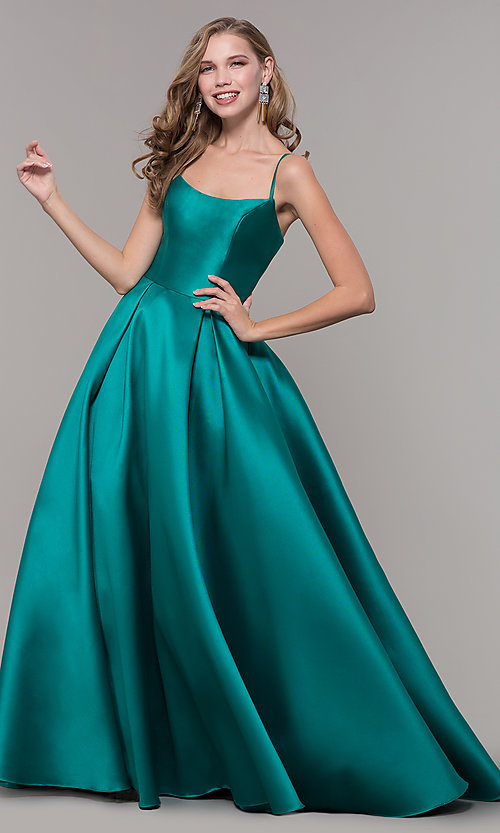 Image of long prom ball gown with pockets. Style: NM-19-107 Detail Image 4
