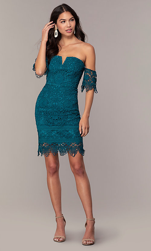 Image of short-sleeve graduation dress by Simply. Style: MT-SD-9575 Detail Image 3