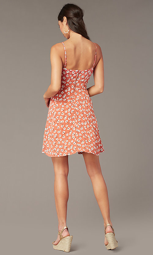 Image of coral/ivory short casual floral-print party dress. Style: EM-HHS-4085-681 Back Image