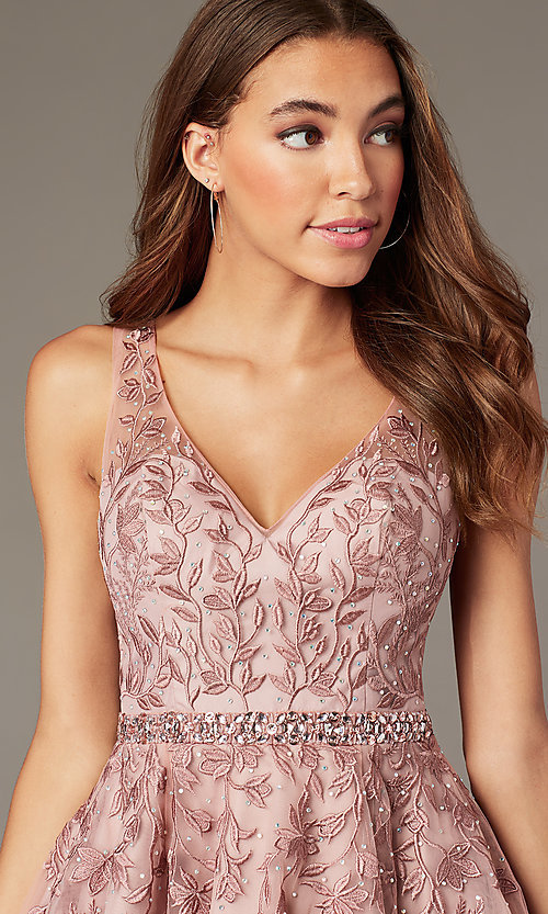 Image of beaded short embroidered-tulle homecoming dress. Style: SOI-W18784 Detail Image 2