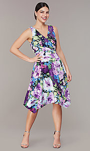 Image of knee-length floral-print dress for wedding guests. Style: SD-S282060 Front Image