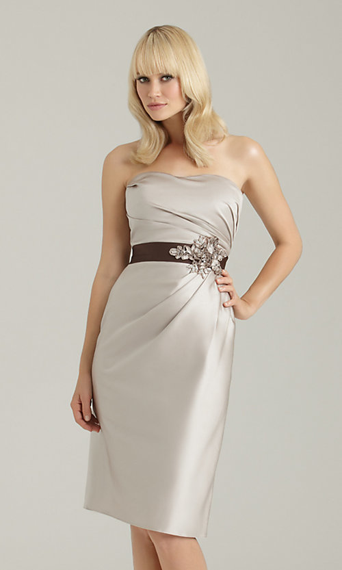 Dress Style: NM-1329 Front Image