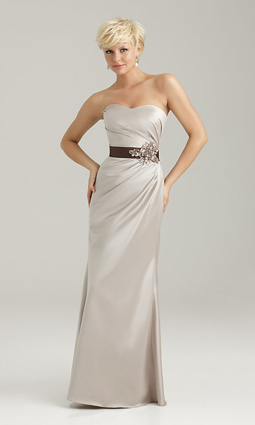 Dress Style: NM-1330 Front Image