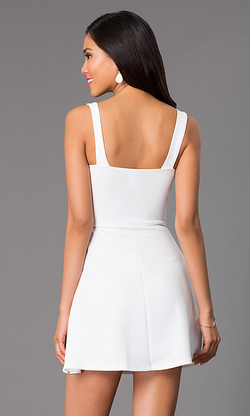 Image of Sleeveless Short Dress Style: CL-43400 Back Image