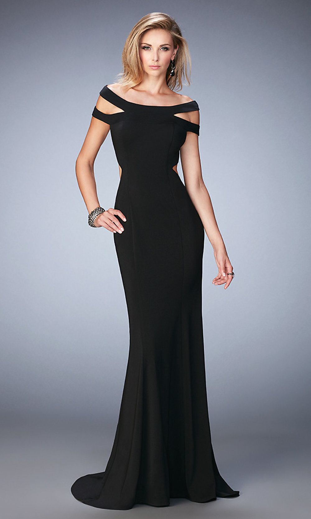 Off-the-Shoulder Wedding Dresses Dresses Dresses for your body type. Looking for your perfect dress? Explore the different silhouettes (dress forms) for your body type. About Sheath Dresses. Ideal for showing off your figure and petite brides. These dresses fit close to the body and do not flare out. Filters. Apply.