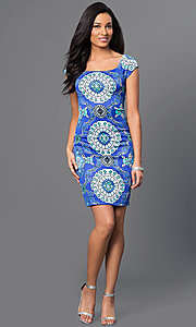 Image of fitted cap-sleeve Bee Darlin print dress. Style: BD-Q5ykh517 Detail Image 1