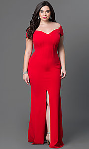 Image of long off-the-shoulder plus-size jersey dress. Style: SY-IXD2676VPr Front Image