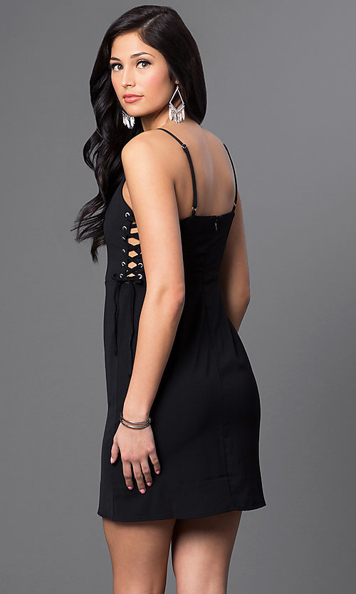 Image of short sleeveless dress with lace sides Style: VJ-VD31513 Back Image