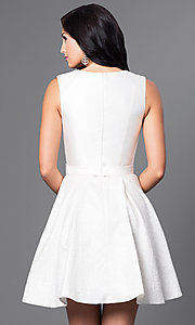 Style: TE-T1047 Back Image