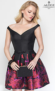 Print V-Neck Short Homecoming Dress