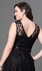 Image of lace plus-size sleeveless party dress with bow. Style: SF-8760P Detail Image 4