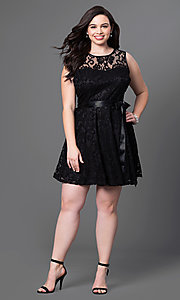 Image of lace plus-size sleeveless party dress with bow. Style: SF-8760P Detail Image 5