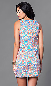 Image of short casual sleeveless print sheath dress. Style: VJ-VD31554 Back Image