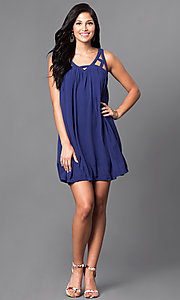 Image of casual sleeveless v-neck short shift dress. Style: VJ-LD40985 Detail Image 1