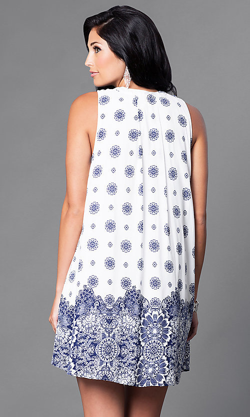Image of short floral-print sleeveless casual shift dress. Style: VJ-LD41071 Back Image