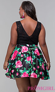 Image of plus-size short floral-print lace-bodice party dress. Style: DQ-9517P Back Image