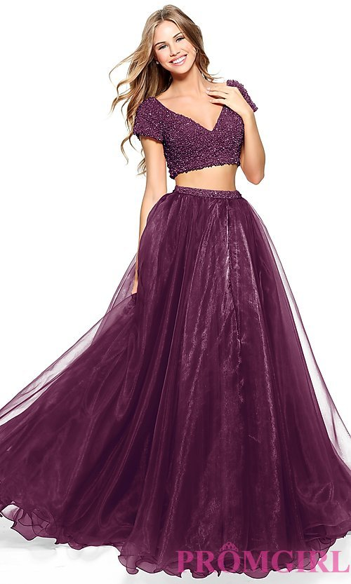 Image of short-sleeve Sherri Hill two-piece prom dress. Style: SH-51039 Front Image