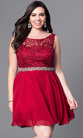 Short Plus-Size Party Dress with V-Back Lace Bodice