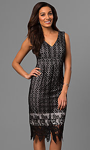 V-Neck Lace Party Dress with Knee-Length Zigzag Hem