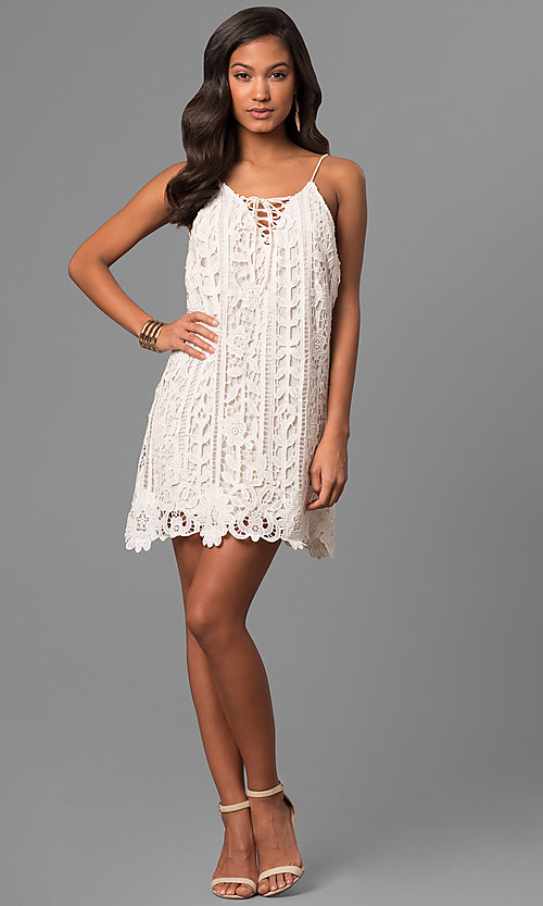 Image of short embroidered-lace casual party shift dress. Style: VJ-LD41614 Detail Image 1