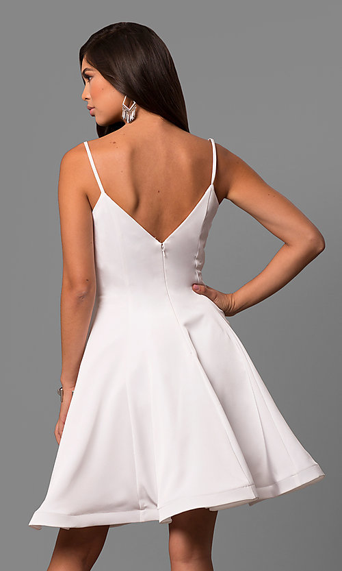 Image of knee-length v-neck party dress by Dave and Johnny. Style: DJ-5404 Back Image