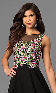 Style: DQ-9907 Detail Image 1