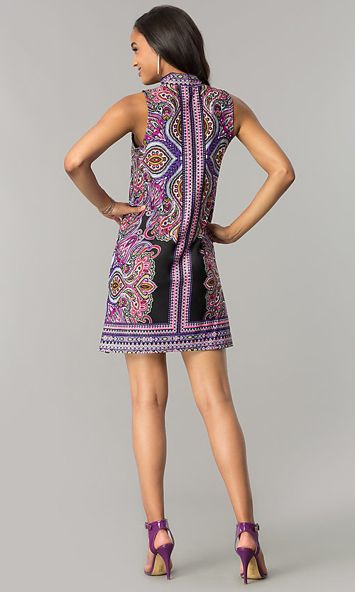 Image of short purple print casual shift dress with cut out. Style: JU-TI-T0021 Detail Image 2