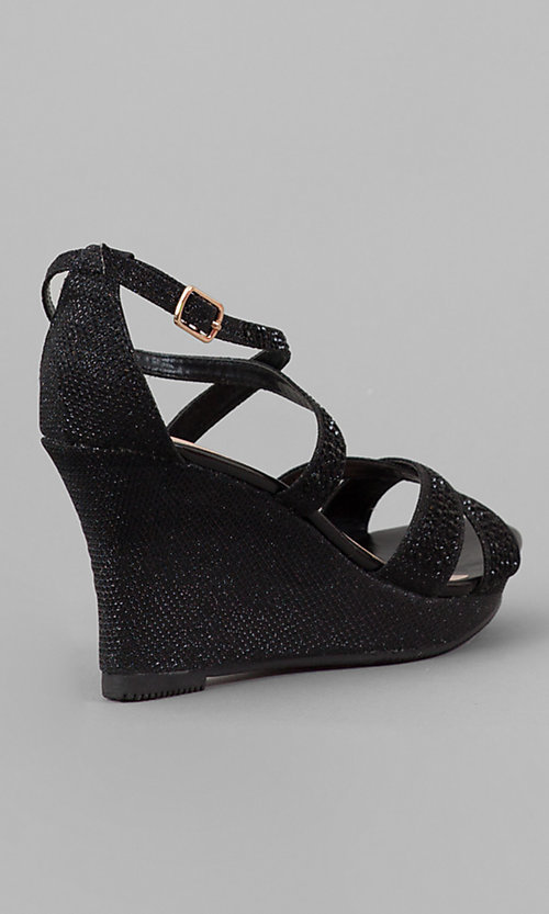 Style: YP-714-Paige Detail Image 2