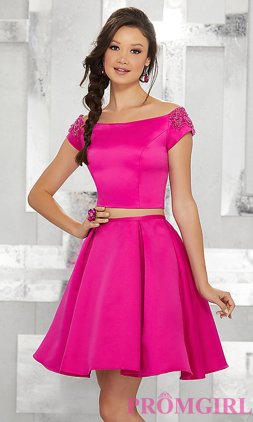 Image of off-the-shoulder short two-piece homecoming dress. Style: ML-9452 Detail Image 3