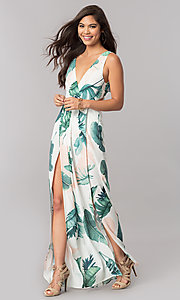 Long Maxi Print Summer Cruise Dress with V-Neckline