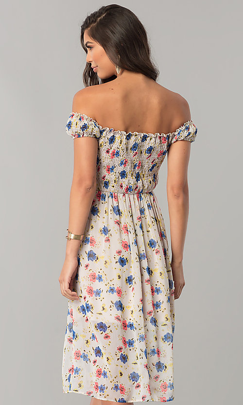 Image of off-the-shoulder floral-print casual chiffon dress. Style: MY-9498YD1D Back Image