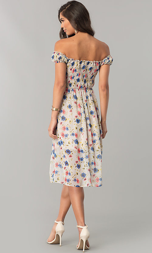 Image of off-the-shoulder floral-print casual chiffon dress. Style: MY-9498YD1D Detail Image 2