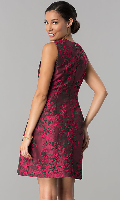 Image of floral-print v-neck wedding guest dress with pockets. Style: JX-1ZWQ173J Back Image