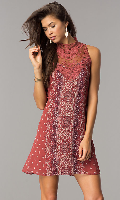 Image of short casual shift dress with clay and ivory print. Style: CT-ALQ-7876C Front Image
