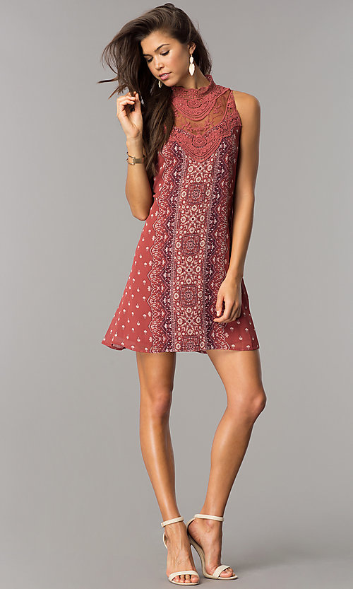 Image of short casual shift dress with clay and ivory print. Style: CT-ALQ-7876C Detail Image 1
