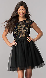 Cap-Sleeve Short Black Party Dress in Lace and Tulle