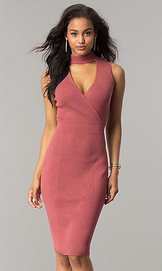 Short Midi V-Neck Party Dress with Choker Collar