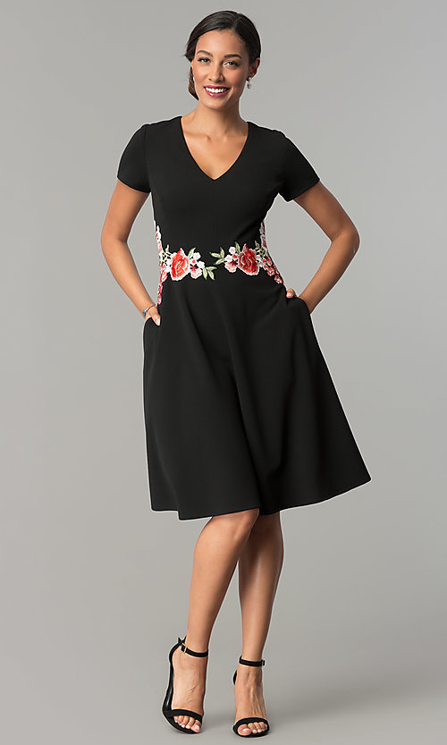 Image of knee-length black casual party dress with pockets. Style: SG-SBBY1483 Detail Image 2