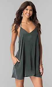 Short Casual V-Neck Shift Dress in Green Microfiber