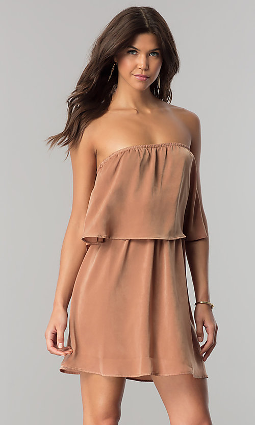 Image of short strapless casual cruise dress in microfiber. Style: RO-R66331 Detail Image 2
