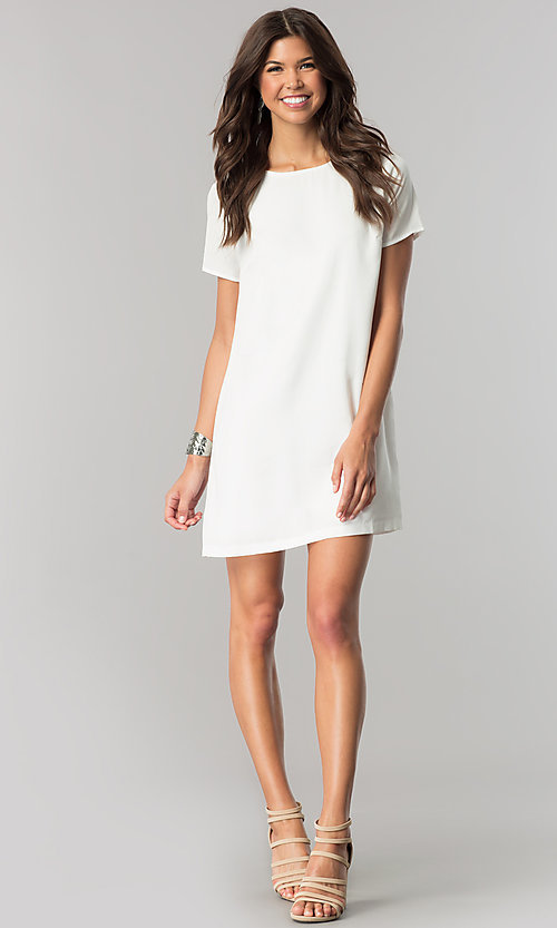 Image of short white casual shift dress with short sleeves. Style: RO-R67032 Detail Image 1