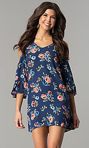 Short Blue Print Shift Casual Dress with Three-Quarter Sleeves
