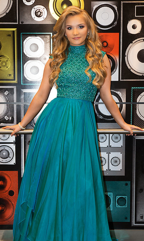 Image of Sherri Hill long formal prom dress with beaded bodice. Style: SH-51687 Front Image