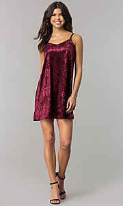 Image of short velvet v-neck shift party dress. Style: VJ-VD32155 Detail Image 3