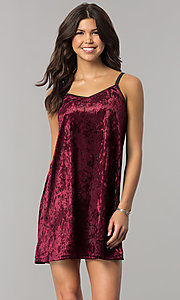 Image of short velvet v-neck shift party dress. Style: VJ-VD32155 Detail Image 2