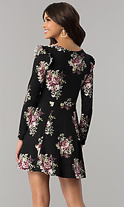 Image of casual short floral-print party dress with sleeves. Style: EM-FPY-3452-022 Back Image