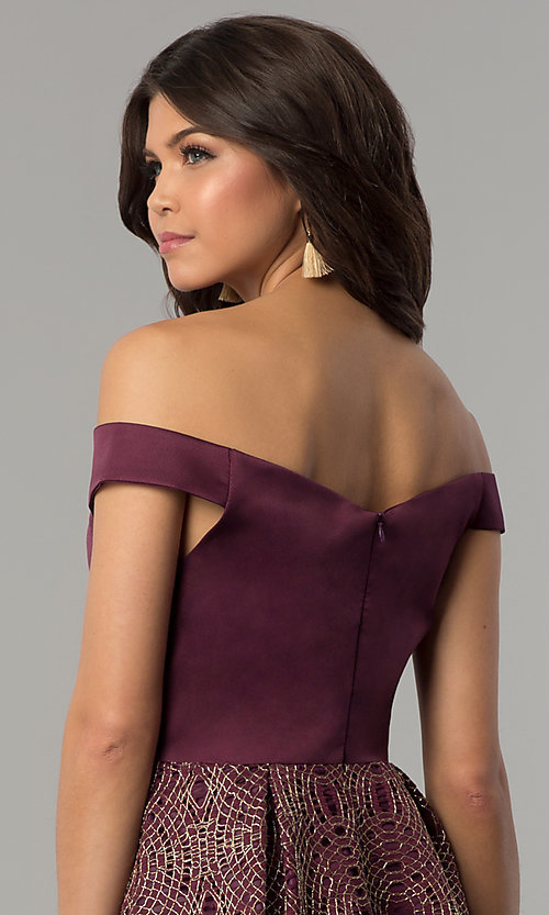 Image of short off-the-shoulder wine purple party dress. Style: JU-10366 Detail Image 2
