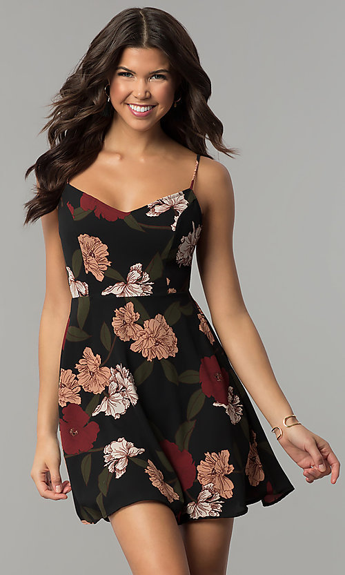 Image of a-line floral-print back-tie short party dress. Style: RO-R67005-1 Front Image